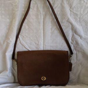 Vintage Coach shoulder bag, number 160-0613.